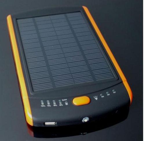 Solární powerbank 23000 mAh na notebook