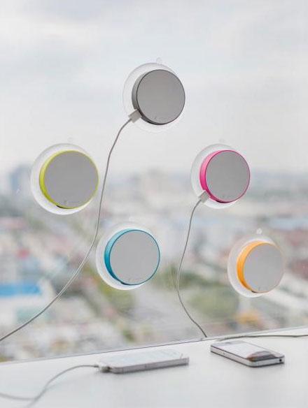 XD Design Port,solární nabíječka na okno,